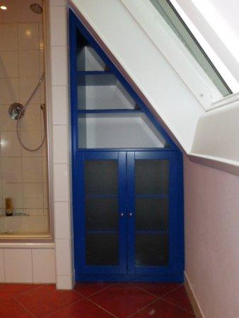 Schrank Badezimmer Dachschräge | Möbel / Innenausbau | Galerie